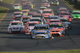 Melbourne V8 Supercar race start