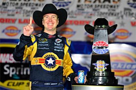 Kurt Busch wins at Texas