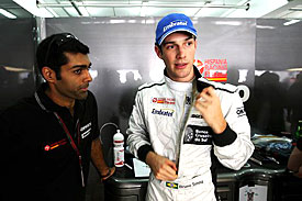 Karun Chandhok and Bruno Senna, HRT, Bahrain 2010
