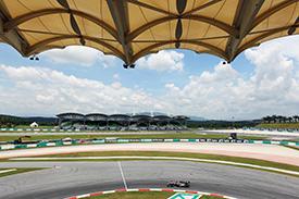 Bruno Senna rounds the final corner