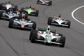 Tony Kanaan leads a pack at Kansas