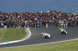 Casey Stoner leads Valentino Rossi at Phillip Island in 2009