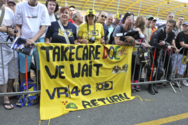 Fans await Rossi's return
