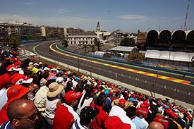 Fans enjoy the Valencia sunshine