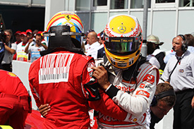 Alonso and Hamilton couldn't wait to congratulate eachother after qualifying