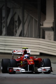 Alonso pipped Vettel for pole