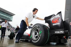 Sauber wheels Kamui Kobayashi's car back into the garage