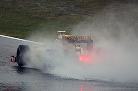 Kubica faced some of the better conditions this morning