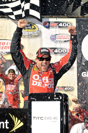 Tony Stewart wins at Fontana