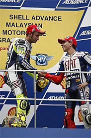 Rossi congratulates Lorenzo