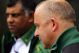 Mike Gascoyne and Tony Fernandes, Lotus, Korea
