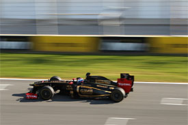 Vitaly Petrov, Renault, Jerez testing