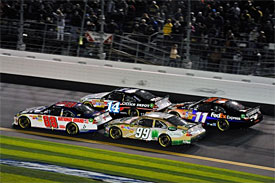 NASCAR looks to limit two-car draft