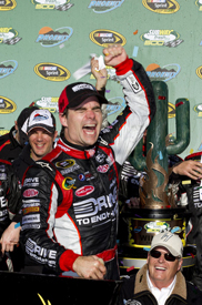 Jeff Gordon wins at Phoenix
