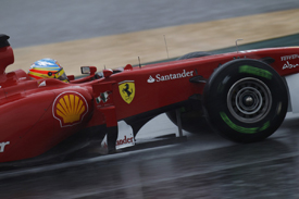 Fernando Alonso tests in the wet at Catalunya