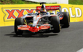 Button drives Bathurst in F1 car