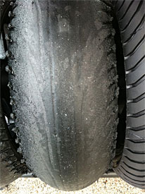 Tech 3 Yamaha's rear tyre