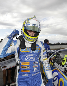 Mark Winterbottom takes pole at Winton