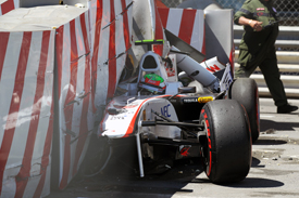 Sergio Perez crashes in Monaco qualifying
