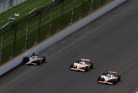 JR Hildebrand crashes at Indianapolis as Dan Wheldon and Charlie Kimball pass