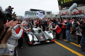#2 Audi wins Le Mans 2011