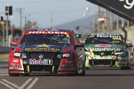 Garth Tander leads in Townsville