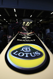 Lotus logo on Renault