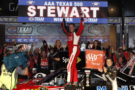 Tony Stewart wins at Texas