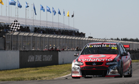 Jamie Whincup wins at Symmons Plain