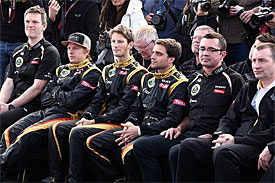 Boullier wants Lotus to regain momentum