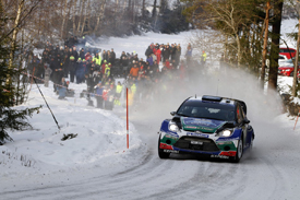 Jari-Matti Latvala clinches win in Sweden for Ford despite late puncture