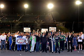 Hendrick hails team after 200th win