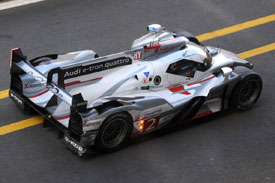 Audi Le Mans 2012 Hour 22