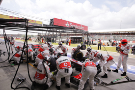 McLaren pitstop, Silverstone 2012