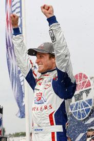 Kasey Kahne wins at Loudon