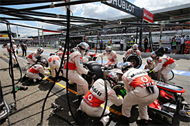 McLaren bullish after new pitstop record