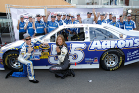 Mark Martin takes Michigan pole