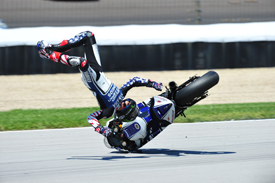 Ben Spies crashes at Indianapolis