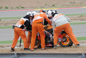 Dani Pedrosa crashes at Aragon