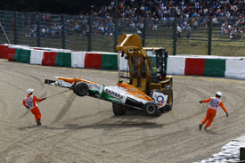Nico Hulkenberg crashes at Suzuka