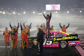 Clint Bowyer wins at Charlotte