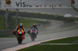 Dani Pedrosa leads Jorge Lorenzo at Sepang