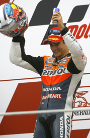 Dani Pedrosa wins at Valencia