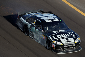 Jimmie Johnson crashes at Phoenix