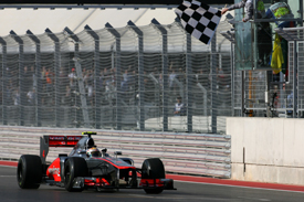 Lewis Hamilton wins at Austin
