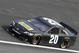 Kenseth makes Gibbs debut