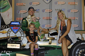 Ed Carpenter wins at Fontana, IndyCar 2012