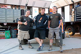 Robby Gordon and the R2R crew