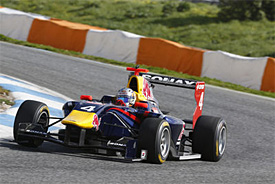 Sainz quickest again at Estoril
