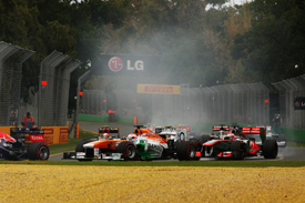 Paul di Resta, Force India, races with Jenson Button, McLaren, Melbourne 2013